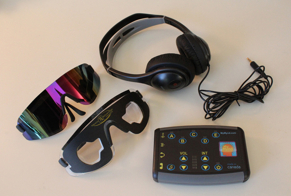NeuroAdvantage Trainer - light and sound therapy for improved mental function